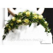 Серповидный букет невесты фото