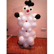 Снеговик из воздушных шаров фото