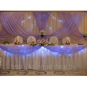 Свадебное украшения зала в сиреневом цвете фото