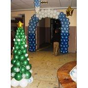 Елка и арка из воздушных шаров фото