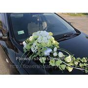 Композиция из цветов на свадебную машину (прокат, аренда). фото