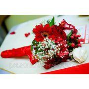 Букет невесты из живых цветов фото