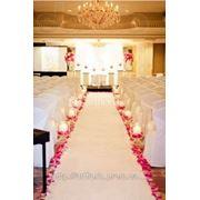 Декор для выездной церемонии, садебные арки, дорожки, столик для росписи, ... фото