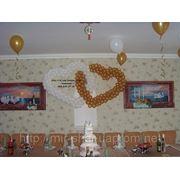 Пара сердец из шаров на свадьбу. Николаев фото