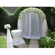 Арка свадебная в бело-золотых тонах фото