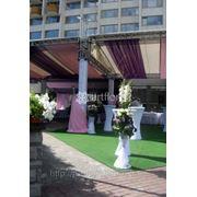 Оформление свадеб, украшение залов, прокат декора и текстиля для свадьбы. Компания Артфлорис предлагает креативное оформление цветами, декорирование фото