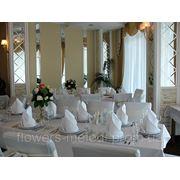 Флористический дизайн свадебного зала фотография