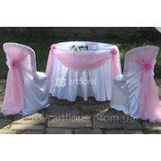 Аренда столика и стульев с декором для росписи фото