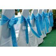 Аренда красивого банкетного текстиля, прокат чехлов на стулья, скатерти и фуршетные юбки на столы фото