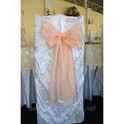 Прокат белого чехла на стул,прокат скатерти на стол,украшение свадебного зала фото