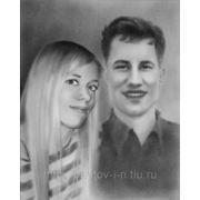 Парный портрет по фотографии черно-белый. Техника сухая кисть. фото