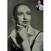 Женский портрет по фото сухой кистью, портрет на заказ сухой кистью фото