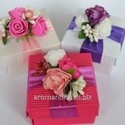 Бонбоньерка квадратная с цветами фото