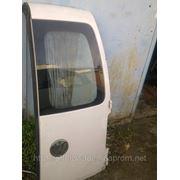 Дверь правая на Volkswagen Touran белого цвета фото