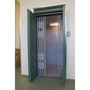 Лифт грузовый (электрический) фото