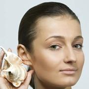 Отопластика - коррекция формы ушей. Некрасивые уши доставляют много неудобства и создают целый ряд комплексов. Простая операция помогает сделать ушные раковины красивыми и поменять отношение окружающих. фото