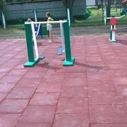 Плитка резиновая Резиновое покрытие -для детских игровых площадок фото