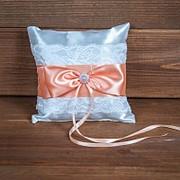 Свадебная подушечка с персиковыми лентами (арт. CR-211) фото