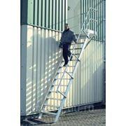 Лестницы-трапы Krause Трап с площадкой из алюминия угол наклона 60° количество ступеней 15,ширина ступеней 1000 мм 825445 фото