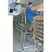 """Лестницы-платформы Krause Лестница с платформой """"Vario компакт"""" количество ступеней 14,ширина поперечной траверсы 2,07м 833372 фото"""