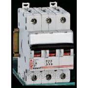 Автоматический выключатель DX 4 полюса характеристика B 32A 10kA   арт. 6359   Legrand фотография