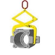 Грузозахватный механизм для корпусов буксовых узлов фото