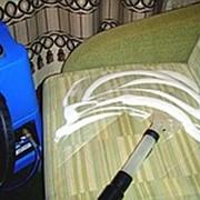 Чистка мягкой мебели и ковровых покрытий с выездом к заказчику фото