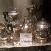 Сервиз серебреный чайно -кофейный. фото