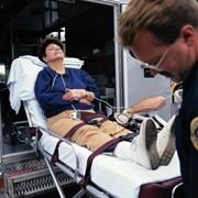 Перевозка больного в крайне тяжелом состоянии с Харькова в Киев фото