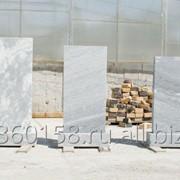Памятники и надгробные плиты фото
