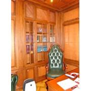 Деревянные шкафы-библиотеки фото