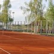 Реконструкция грунтовых теннисных кортов. Укладка спортивных покрытий для теннисных кортов фото