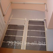 Монтаж систем снеготаяния, обогрева желобов, электрические теплые полы. фото