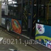Обклейка общественного транспорта фото