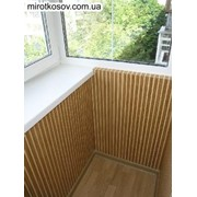 Обшивка балкона деревянной вагонкой фото