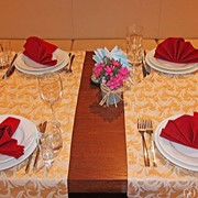 Скатерти, дорожи, салетки для ресторанов фото