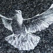 Гравировка по камню. Художественная обработка изделий из камня фото