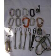 Аксессуары, страховочные системы для альпинизма: крюки, карабины фото