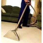 Влажная чистка специальным ковровым шампунем. фото
