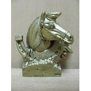 Голова коня золотая на подставке, арт. 922 фото