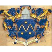 Резные гербы из дерева. фото