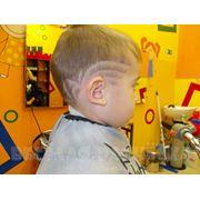 Фигурный выстриг в составе стрижки фото