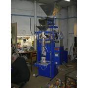 Фасовочно упаковочный автомат на сжатом воздухе с однимвесовым дозатором фото