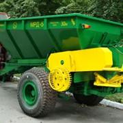 Машина для внесения твердых минеральных удобрений МРД-5 М фото