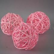 Шарик розовый из ротанга 7 см 4274 фото