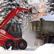 Уборка снега Киев. Вывоз снега Киев фото