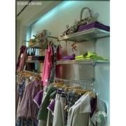 Мебель для магазинов одежды фото