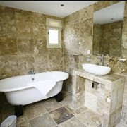 Шпон каменный для отделки интерьеров в помещениях с повышенной влажностью (бани, сауны, бассейны, ванные комнаты. фото
