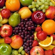 Свежие фрукты. Инжир, граната, персик, абрикос, яблоки, виноград Хусаин белый фото