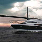 Яхта Regal 4080 Sedan Bridge фото